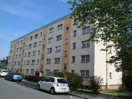 Freundliche 2-Z/K/B mit Balkon -PKW-Stellplatz + EBK