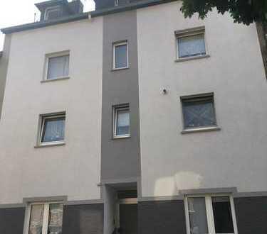 Renditeobjekt in Bochum, vollvermietetes Mehrfamilienhaus mit fünf Einheiten