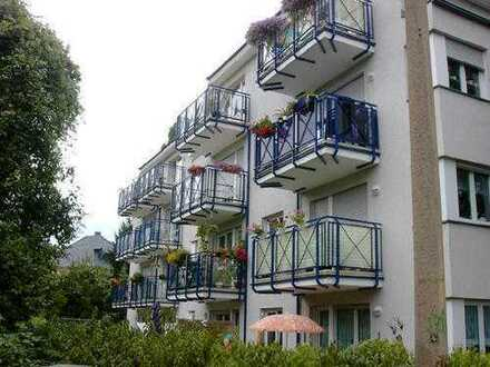 Kapitalanlage mit 3% am Großen Garten? Ruhig gelegen mit TG-Stellplatz und Südbalkon!