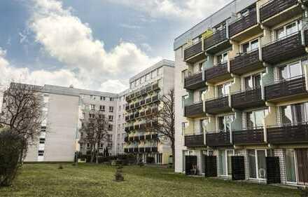Renoviertes Appartement mit Balkon und Pantry-Küche in Mainz