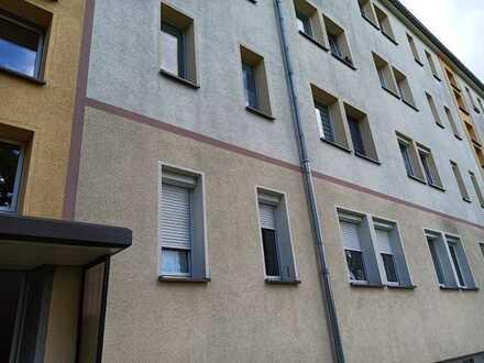 Ruhige und helle 2-Zimmer-Wohnung in saniertem MFH in guter Lage