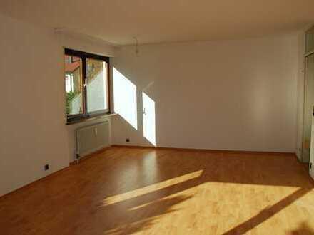 Helle 3-Zimmer Wohnung mit großer Terasse in Weinstadt-Endersbach
