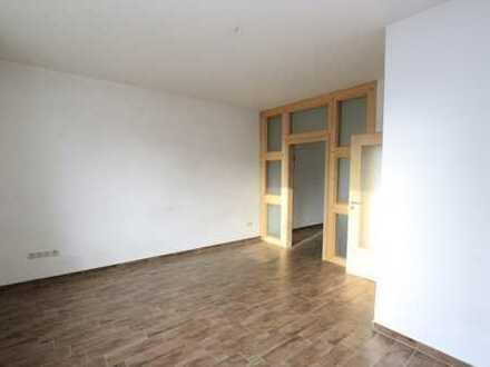 Parterre - Einbauküche + Stellplatz