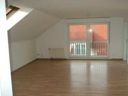 Schicke Dachgeschosswohnung mit Wohnküche