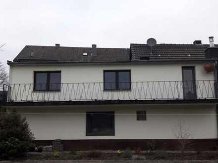 2-Zimmer-Appartement mit großem Balkon und Singleküche in Hürth zu vermieten.