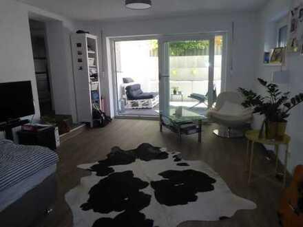 Schöne, helle und geräumige ein Zimmer Wohnung in Ulm, Weststadt