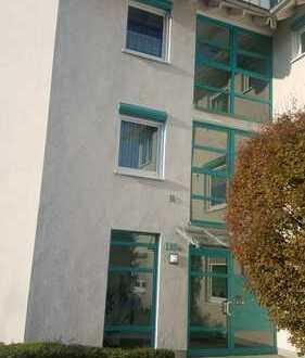 Moderne 2-Zimmer-Wohnung mit Wintergarten und Küche - von der Tiefgarage in die eigene Wohnung