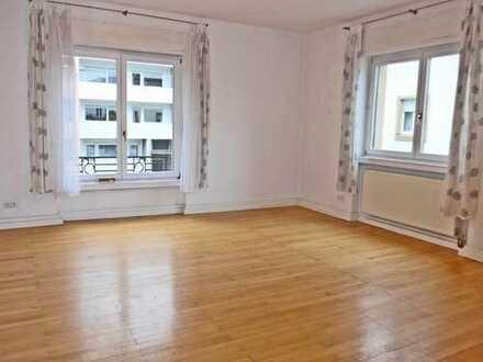 5978 - Gut geschnittene 3-Zimmerwohnung mit offenem Wohn- und Essbereich und Balkon!