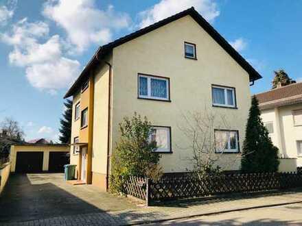 Freistehendes Zweifamilienhaus in Top-Lage! 2 Garagen, Nebengebäude, großes Grundstück