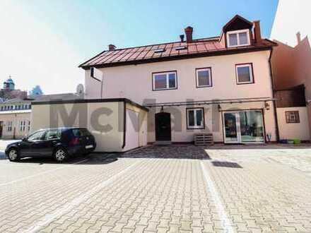 Nutzungsvielfalt im Kemptener Zentrum: Wohnhaus mit Sauna, Balkon und Gewerbeeinheit im EG