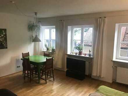 Stilvolle, geräumige und sanierte 1-Zimmer-Wohnung mit EBK in Landsberg am Lech
