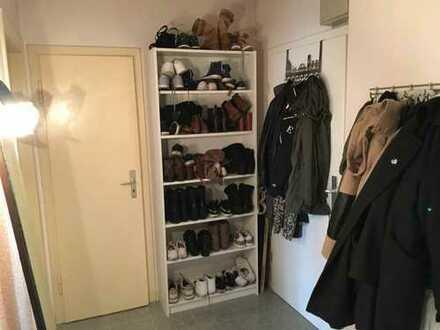 Schönes Zimmer in 2er Wg