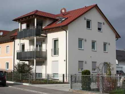 Großzügige 3-Zimmer-EG-Wohnung mit Terrasse, Vorgarten und Einbauküche in Neuburg an der Donau