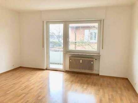 Großzügige 3 Zimmerwohnung mit Balkon zu vermieten www.immo-kraemer.de