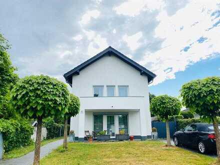 Wunderschöne, 2 moderne Doppelhaushälften mit 8 Zimmern in Bonn-Holzlar-Roleber