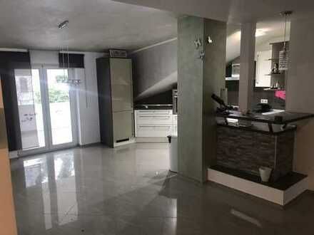 780 €, 100 m², 3 Zimmer