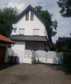 Schönes, geräumiges Jugendstil-Haus mit fünf Zimmern in München, Trudering