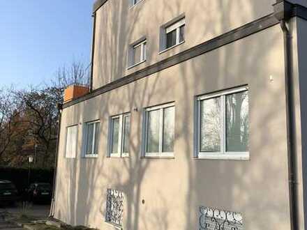 1Zimmer in 3er Frauen WG ,mit Balkon und EBK in Karlsruhe