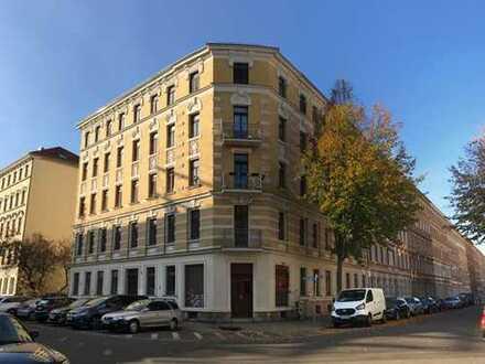 Provisionsfrei und vermietet: 2 Raum WE mit Westbalkon