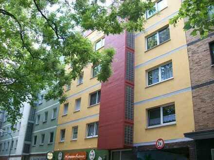 Stadtnah wohnen! Schöne 2 - Zimmerwohnung mit Sonnenbalkon über den Dächern von Bochum