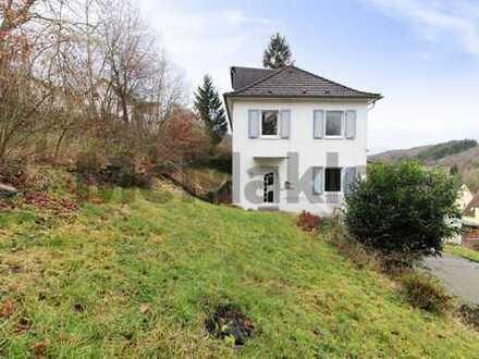 Nutzungsvielfalt: 6-Zimmer-MFH mit 3 Wohneinheiten unweit Laacher See