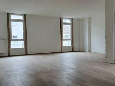 Traumhafte Loftwohnung in historischer Lagerhalle , Gründerzeitviertel , Nähe Schillerplatz