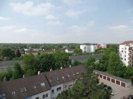 Über den Dächern der Alatseestraße Augsb.Hochzoll 7.Stock 2 ZKB,Wintergarten