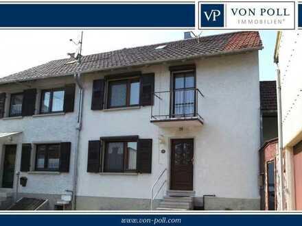 Ubstadt! - Renovierungsbedürftige Doppelhaushälfte in bester Lage
