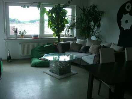 4-Zimmerwohnung im 3.OG mit Balkon ideal für 2-3 WG