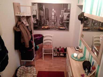 Sonniges Zimmer, 19m², in alt Lindenau sucht dich :)