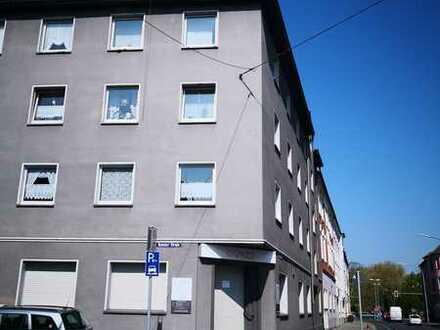 Geräumige und einzugsbereite 3 Zimmer-Wohnung zu vermieten