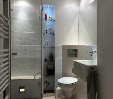 Stilvolle, sanierte 3-Zimmer-Wohnung mit Balkon in Hannover/ Maschsee