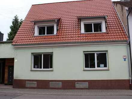 Traitteur - Haus mit Ladeneinheit und großzügiger Terrasse im Herzen von MA-Friedrichsfeld!