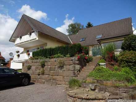 Großzügige 2 Zimmerwohnung mit Terrasse in Lamsfuß