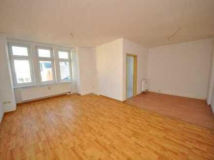 Gemütliche 3-Raumwohnung mit Balkon und Einbauküche im Zentrum von Aue