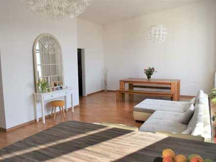 4-Zimmer-Penthouse-Wohnung mit Terrasse, zwei Balkonen und EBK in Frankfurt Riedberg