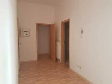 Sonnige zwei-Raum-Wohnung in zentraler Lage