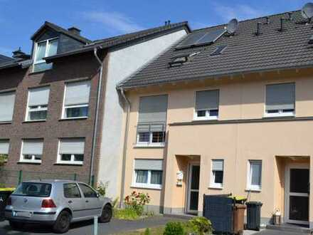 Moderne Doppelhaushälfte mit Garten in Zentrumsnähe von Troisdorf