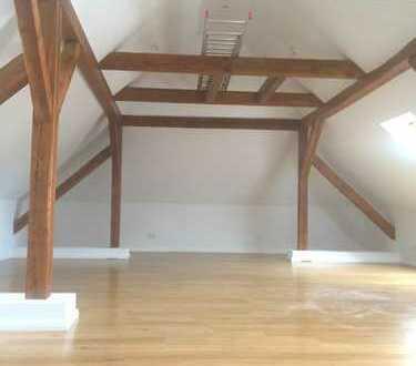 Maisonette DG-Wohnung mit Gewerbeflächen in Woltersdorf am Stolp Bes: Fr 11h