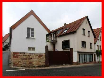Großzügiges Haus mit Einlieger-Wohnung und praktischen Nebengebäuden