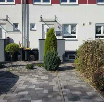 Modernes Reihenhaus mit Garten und Stellplatz in Frankenthal