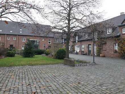 Stilvoll Leben im Mühlenweghof - Helle 2 Zimmer Wohnung in Frechen-Königsdorf