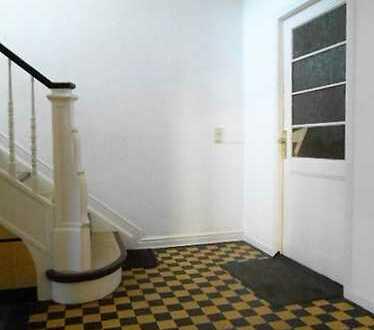 Grosszügige 5 Zimmerwohnung im Dachgeschoss zu vermieten