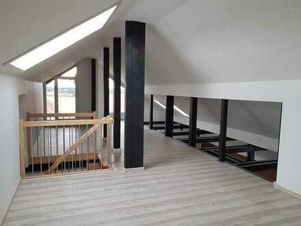 Sanierte 5-Zimmer-Dachgeschosswohnung mit Balkon und Einbauküche in Geltendorf