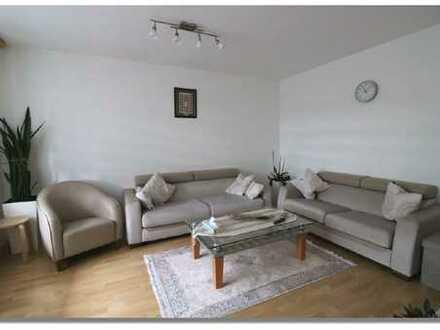 Schöne, familiengerechte Eigentumswohnung mit 4 Zimmmer und Balkon!
