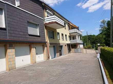 Attraktive, vollständig renovierte 3-Zimmer-DG-Wohnung zur Miete in Bochum