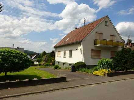 Langendernbach: Traumlage - Stattliches Ein- bis Zweifamilienhaus mit großem Grundstück