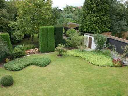 EiNFAMILIENHAUS mit gepflegtem Garten
