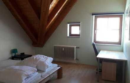 Ingolstadt Zentrum, Hochwertige Maisonette-Wohnung in der Altstadt incl. TG, möbliert