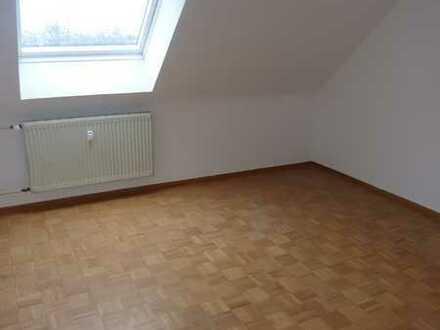 Gemütliche Dachgeschosswohnung in ruhiger Wohnlage